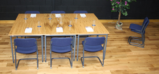 Q-meeting-Dressed-and-showing-6-chairs-oak-veneer-3
