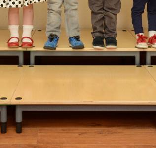 school children on stage